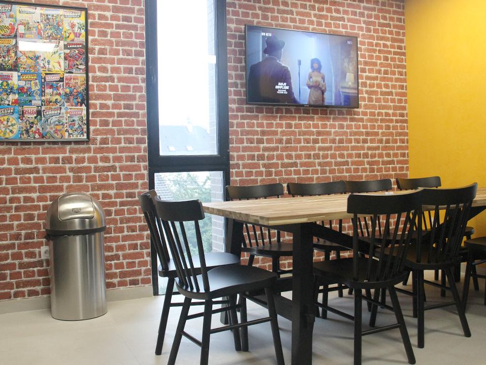 cafétéria et espace tv - workinvarenne