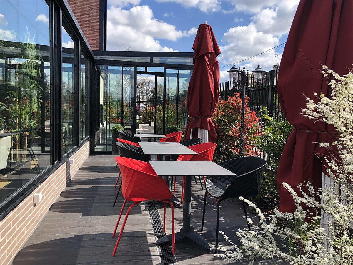 Terrasse du restaurant chic le 44 Chill Out